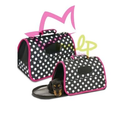 bolso para perros pequeños y gatos, fondo negro adornado con lunares blancos y borde rosa, rejillas de ventilación, cierre cremallera, apertura frontal para que la mascotas pueda asomar la cabeza, correa de seguridad en el interior