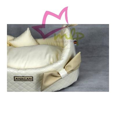ama para perros y gatos de fabricación española, materiales de primera calidad, forma de cesta, lleva asas a los lados, se puede lavar a maquina.