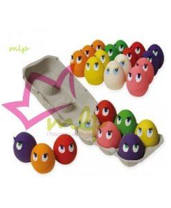 Juguete de latex en forma de huevo con ojos y pestañas, recomendado para cachorros y adultos de raza pequeña o mini, aunque se lo llevan para todos los tamaños.el juguete mas vendido