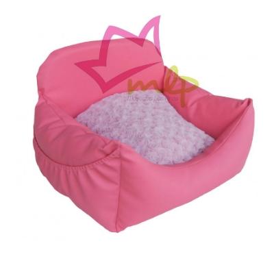 Sofá para perros y gatos de tamaño pequeños, diseñado y fabricado en España, entero de poli piel en color rosa y cojín interior de pelo suave.