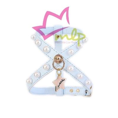 Arnes Pearls Funkylicious. El arnés Pearls está realizado en eco-piel tipo napa muy suave y resistente y decorado con perlas remachadas, no pegadas al arnés. Disponible en 4 medidas