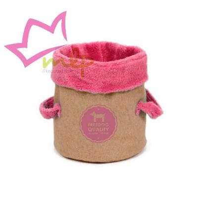 Cesta Love para gatos se puede usar como cama o como zona de juego, emite un leve murmullo como crujido al contacto.